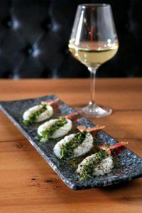 Prawns Luxury Food Vintage Bar Bistro Athens-min